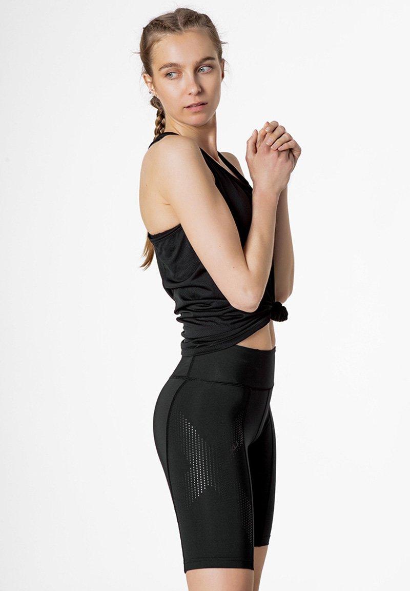 2XU - Shorts - black/dotted black logo