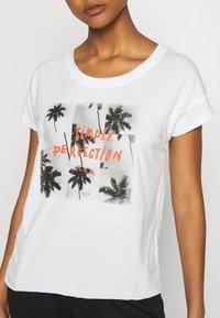 Roxy - LIKE I DO - Print T-shirt - snow white - 5