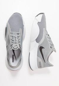 Nike Performance - SUPERREP GO - Sportschoenen - particle grey/dark smoke grey/light base grey - 1