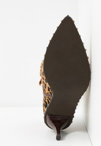 Alma en Pena - High heeled ankle boots - camel - 6