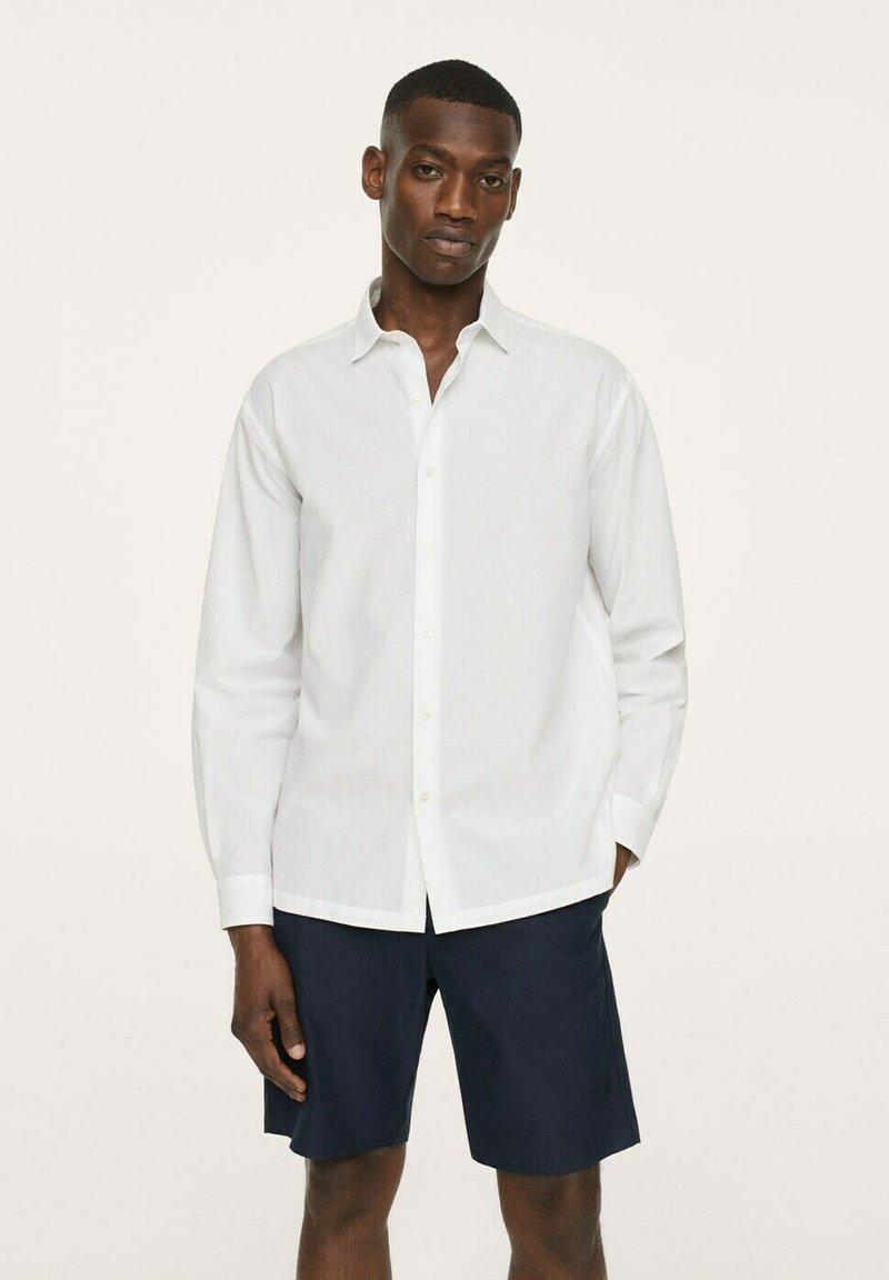 Mango - SEERSUCKER RESPIRANTE - Formal shirt - blanc