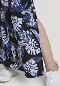 TOM TAILOR DENIM - TROPICAL  - Maxi dress - black blue tropical print - 6