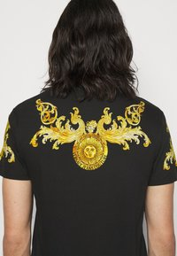 Versace Jeans Couture - GOLD BAROQUE - Print T-shirt - black - 3