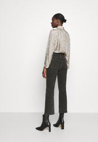 ARKET - Relaxed fit jeans - black dark - 2