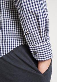 Ben Sherman - SIGNATURE GINGHAM - Overhemd - dark blue - 5