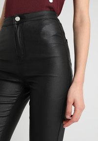 Missguided - VICE HIGH WAISTED  - Kalhoty - coated black - 3