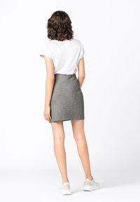 HALLHUBER - Pencil skirt - schwarz - 1