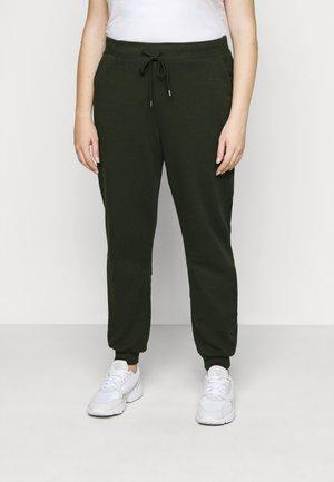 VMKOKO PANT CURVE - Teplákové kalhoty - duffel bag