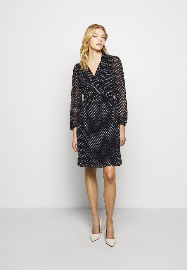 BALLOON SLEEVE DRESS WITH COLLAR - Vestito estivo - navy/blush