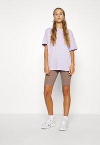 adidas Originals - Shorts - trace brown - 1