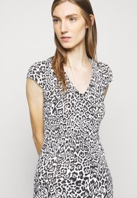 Just Cavalli - Pouzdrové šaty - black - 3