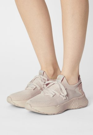 COURT DRIVE - Trainers - off white