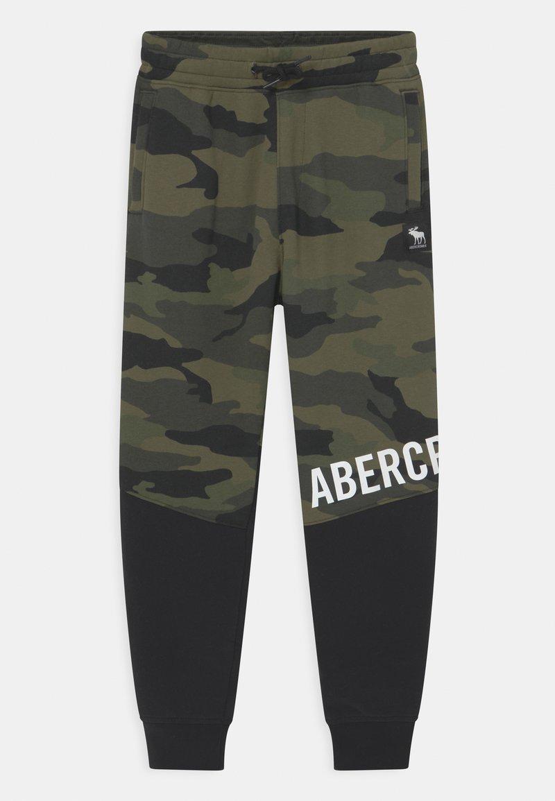 Abercrombie & Fitch - UTILITY - Tracksuit bottoms - khaki