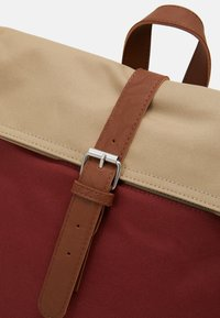 Enter - FOLD TOP BACKPACK - Batoh - rust/khaki top - 3