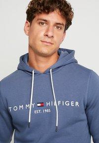 Tommy Hilfiger - LOGO HOODY - Sweat à capuche - blue - 4