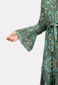 Isla Ibiza Bonita - Shift dress - turquoise batique circles - 3