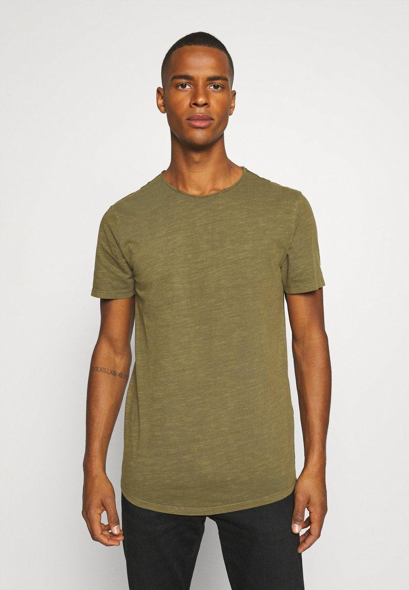 Jack & Jones PREMIUM - JJEASHER TEE O-NECK NOOS - Basic T-shirt - olive night