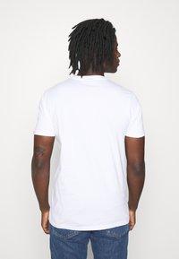 Ellesse - RIAN - Print T-shirt - white - 2