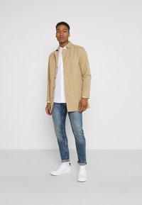 Only & Sons - ONSTAYLON DITSY - Camisa - bright white - 1