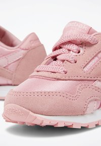 Reebok Classic - CLASSIC NYLON SHOES - Trainers - pink - 2