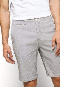 Casual Friday - SHORTS CFPERSEY STRIPE - Shorts - ecru - 5