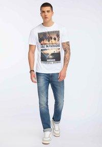 Oldskull - Print T-shirt - white - 1