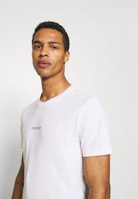 Calvin Klein - CENTER LOGO 2 PACK - Triko spotiskem - black - 4