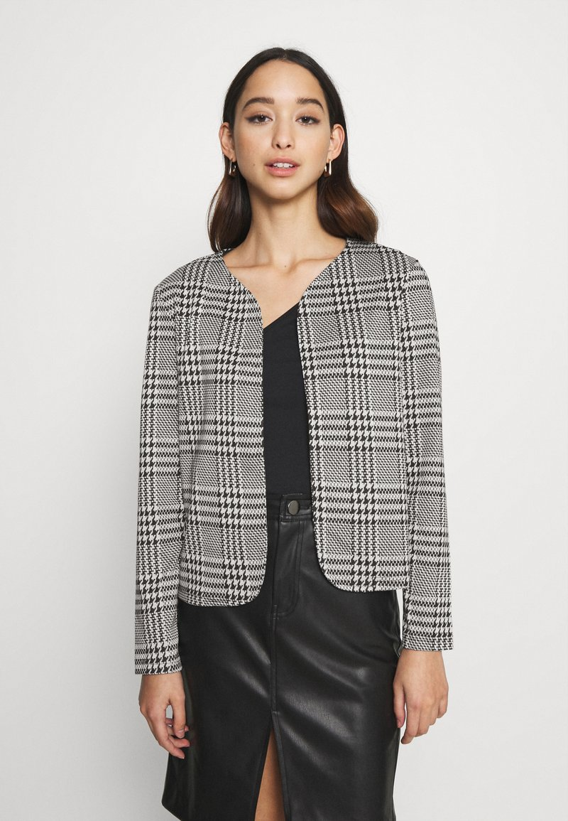 ONLY - ONLZIGA SHORT - Blazer - black/cloud dancer