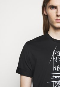 Neil Barrett - SCRIBBLE BOLT - T-shirt con stampa - black/white - 3