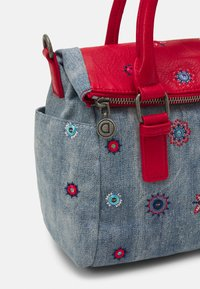Desigual - BOLS JULY LOVERTY - Handbag - carmin - 3