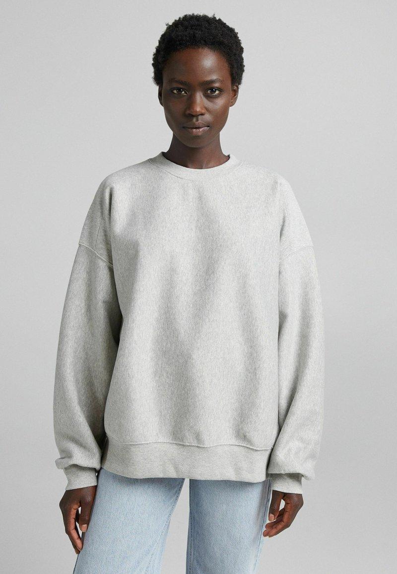 Bershka - OVERSIZE  - Sweatshirt - light grey