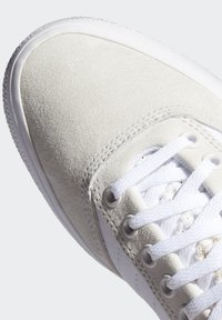 adidas Originals - 3MC SHOES - Joggesko - white - 7