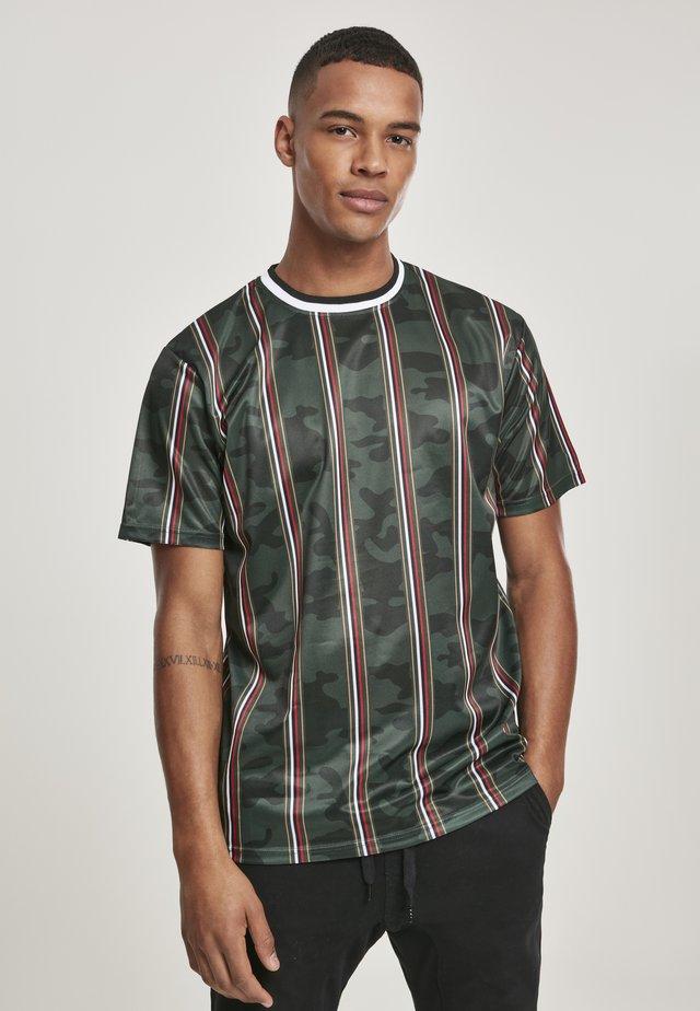 SOUTHPOLE HERREN THIN VERTICAL STRIPES AOP T-SHIRT - T-shirt print - green