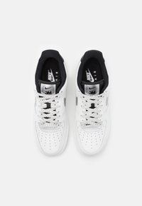 Nike Sportswear - AIR FORCE 1 '07 LV8 3M UNISEX - Sneakers laag - summit white/black - 3