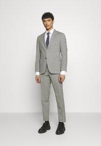 Michael Kors - SLIM FIT SUIT - Suit - grey - 0