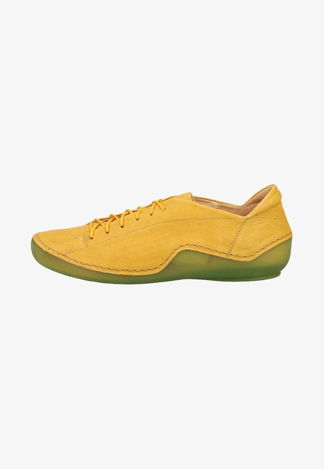 Sportieve veterschoenen - yellow