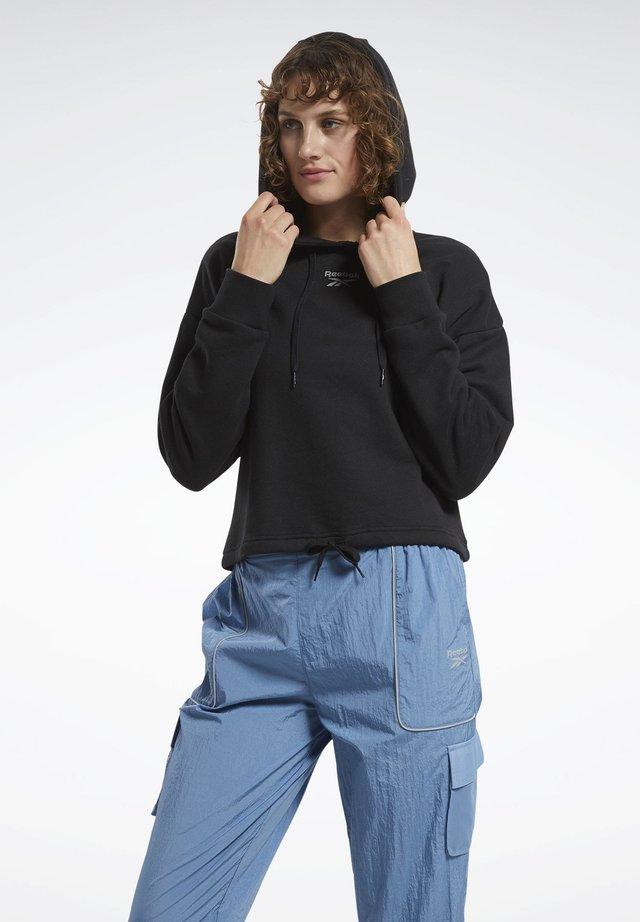 CLASSICS SMALL LOGO HOODIE - Bluza z kapturem - black