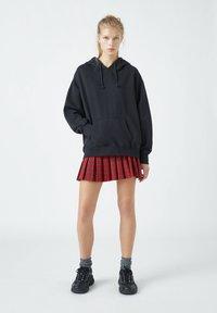 PULL&BEAR - Pleated skirt - mottled red - 1