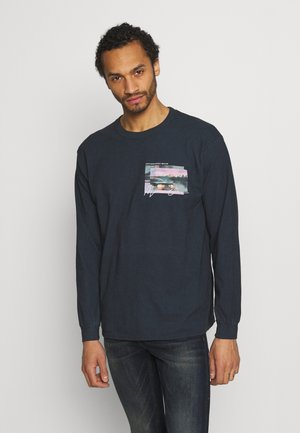 TAIL LIGHT - Long sleeved top - washed black