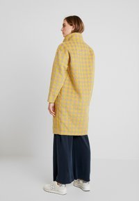 Louche - DONALDA HOUNDS - Classic coat - yellow - 2