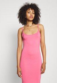 Missguided - BASIC CAMI MIDI DRESS - Jersey dress - rose - 3