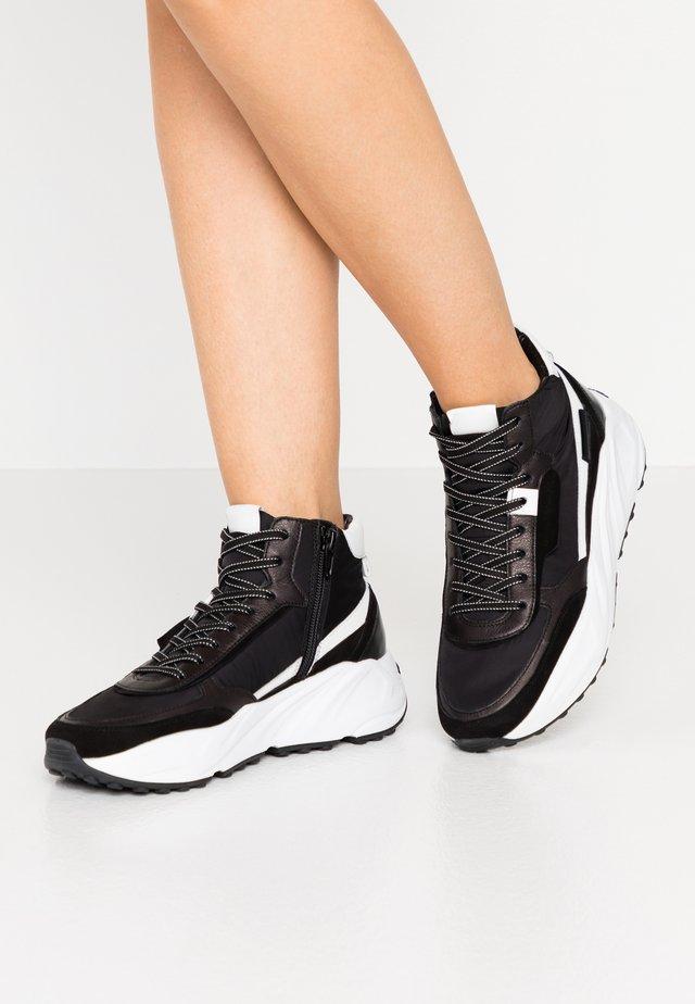 VELAR - Zapatillas altas - schwarz/bianco