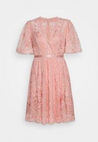 TRUDY BELLE MINI DRESS - Koktejlové šaty/ šaty na párty - desert pink