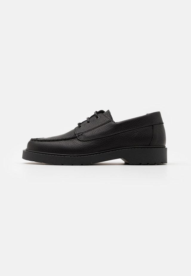 SLHTIM BOAT SHOE CLEAN  - Veterschoenen - black
