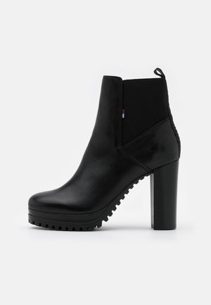 ESSENTIAL CLEATED - High heeled ankle boots - black