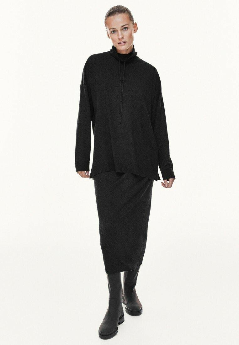 Massimo Dutti - MIT KAPUZENKRAGEN - Sweatshirt - dark grey