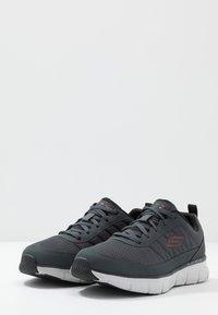 Skechers Sport - SYNERGY - Sneaker low - charcoal/black - 2