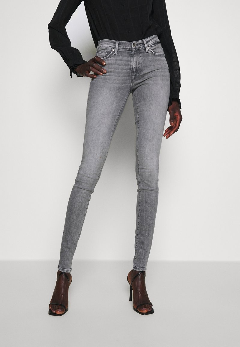 ONLY Tall - ONLSHAPE LIFE  - Jeans Skinny Fit - grey denim