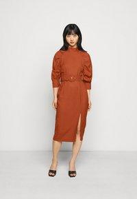 Glamorous Petite - Denní šaty - rust - 1