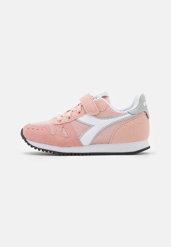 SIMPLE RUN UNISEX - Sportovní boty - pink sand